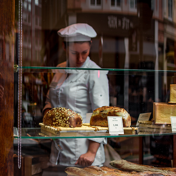 Retail bakery software for sales-based shop ordering